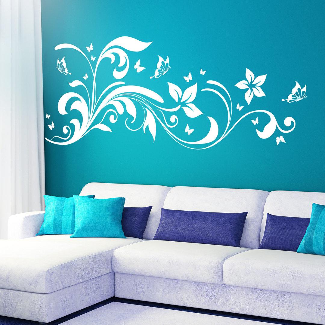 wandtattoo blumen ranke florales design mit schmetterlingen. Black Bedroom Furniture Sets. Home Design Ideas